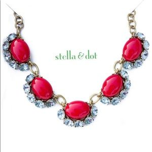 Stella & Dot Mae necklace